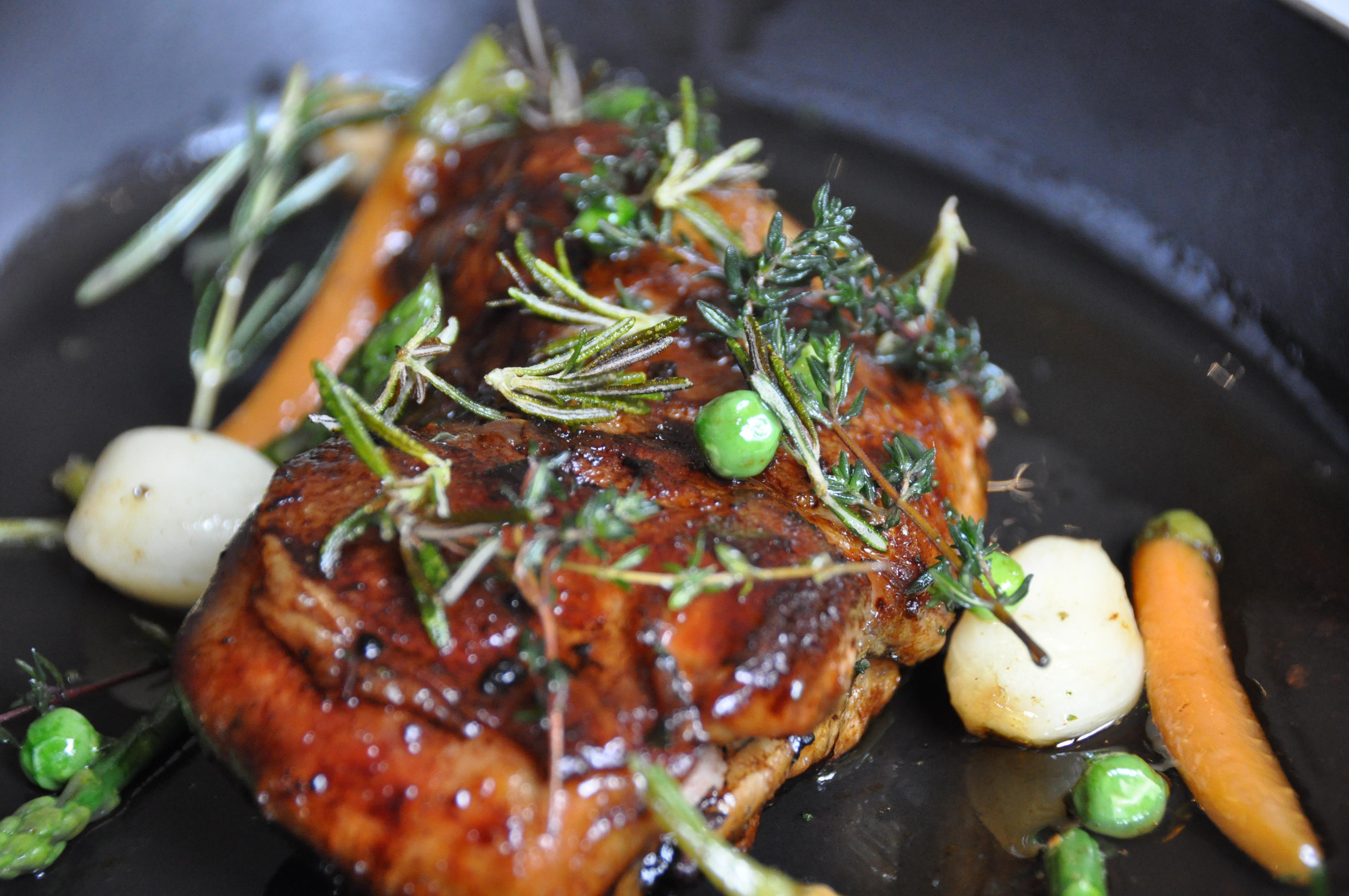 Le traditionnel agneau de p ques une recette st phane d cotterd - Cuisiner une epaule d agneau ...
