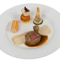 Élodie SCHENK meat plate© Photos Académie du Bocuse d'Or Suisse